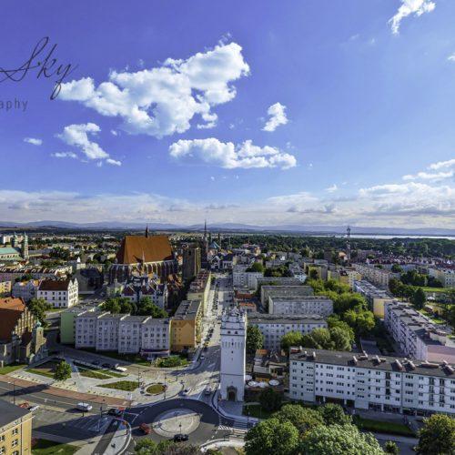 Widok na ulicę wrocławską i centrum Nysy