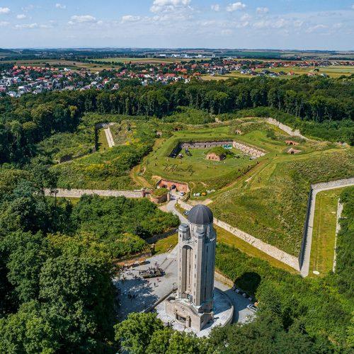 Fort Prusy - Wieża Ciśnień i czołg