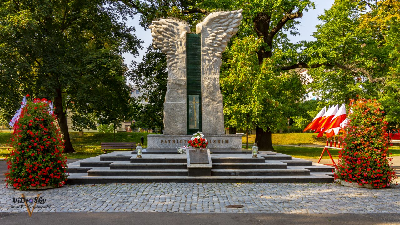 Zdjęcie pomnika Powstańców śląskich w Nysie_Vidrosky